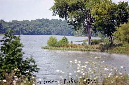 The lake at Lake Shore Disc Golf Course