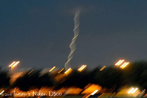 Oh, oh! Here comes the blurry lightning. (f/2.8, 1/60th, ISO 1600)