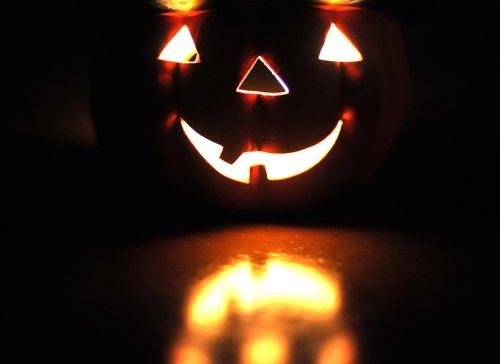 #8212-(lit-pumpk)