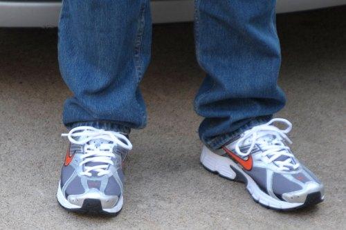#9587-(sneaks_jeans)