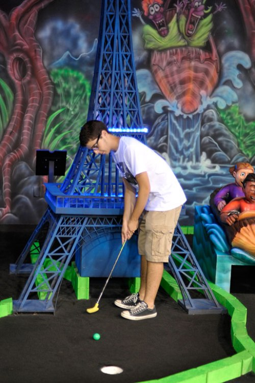 Almost France! Ricky showed off in mini golf.