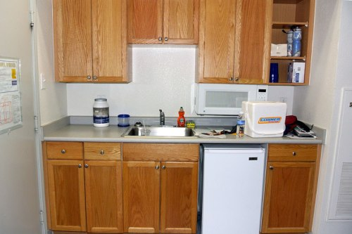 "The ""kitchen area"": Small but usable"